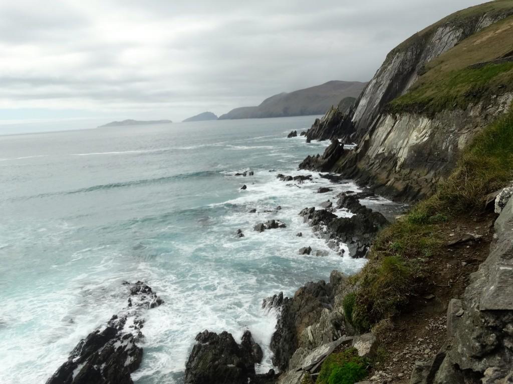 Les falaises qui bordent la péninsule