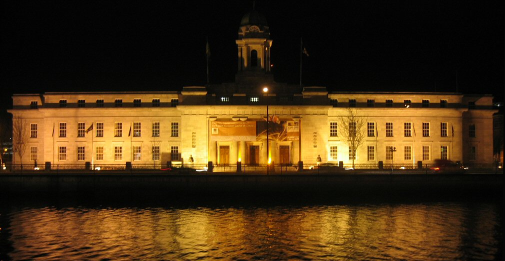 ireland-cork_city-city_hall_at_night